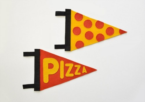 typographic pizza pennant (via blog)