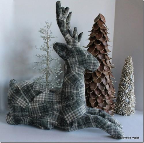 plaid reindeer (via turnstylevogue)