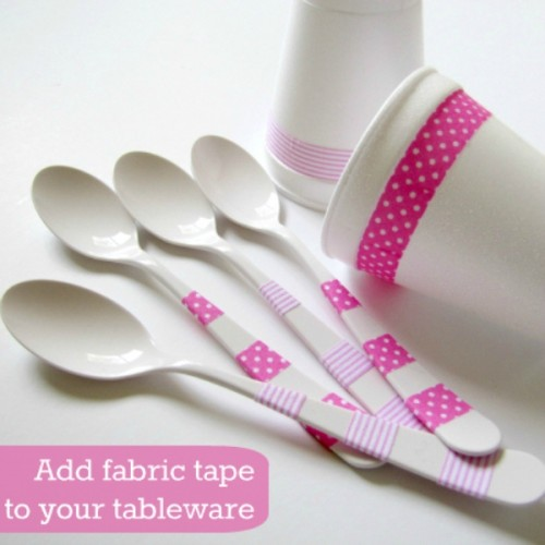 DIY Plastic Tableware Decorating For A Party