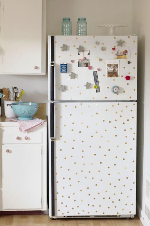 polka dot fridge (via athomeinlove)