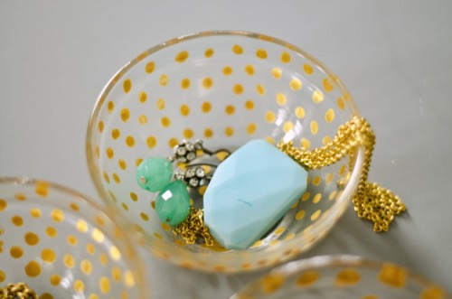 polka dot jewelry dish (via happinessiscreating)