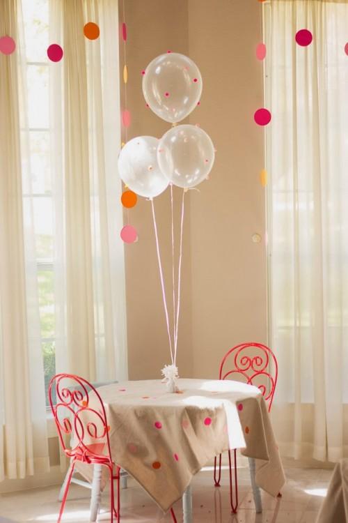 polka dot tablecloth (via designimprovised)