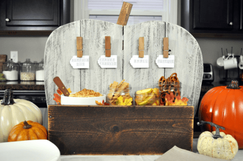 serving pumpkin stand (via littleglassjar)