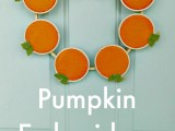embroidery hoop pumpkin wreath