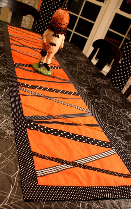 DIY Ribbon Halloween Table Runner