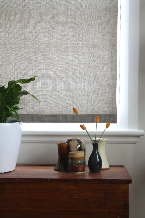 simple fabric roller blinds (via saltbushavenue)