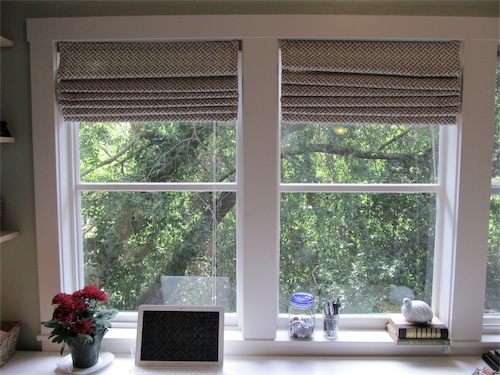 kitchen roman shades (via simplymrsedwards)