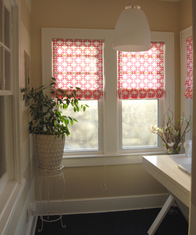 patterned roman shades (via made2style)