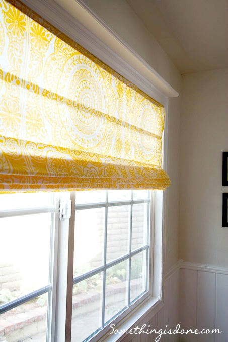 9 diy roman shades tutorials to block excessive sunlight for Roman shades for wide windows