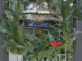 diy-ruby-bird-on-a-window-holiday-wreath-5