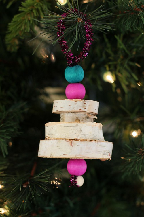 17 DIY Rustic Christmas Decorations From Wood