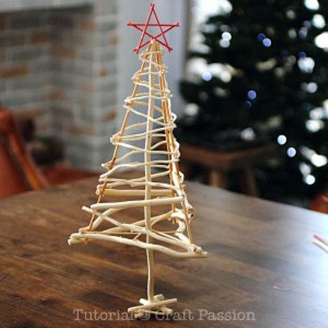 twiggy Christmas trees (via shelterness)