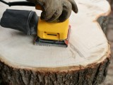 diy-rustic-end-table-from-a-tree-stump-slice-5