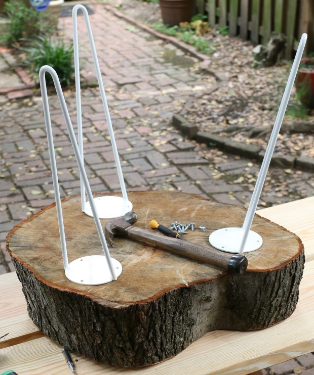 Picture of diy rustic end table from a tree stump slice 6 for Diy tree table
