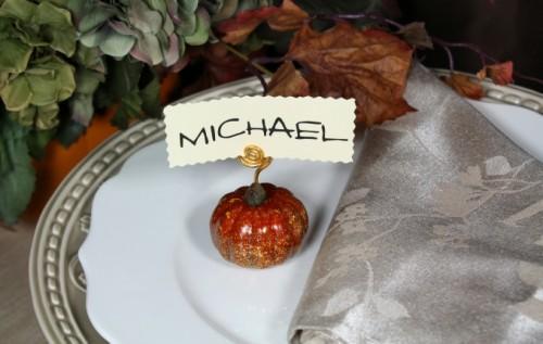 glitter pumpkin placeholder (via simplybelleblog)