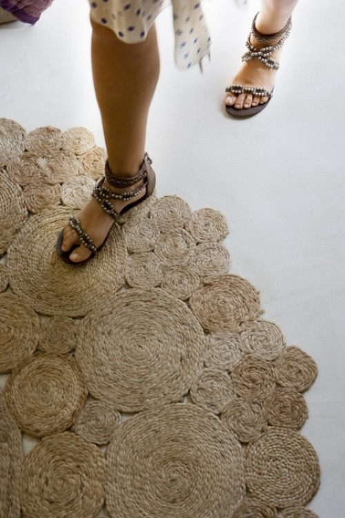 DIY Rustic Rug Of Jute Or Sisal Rope