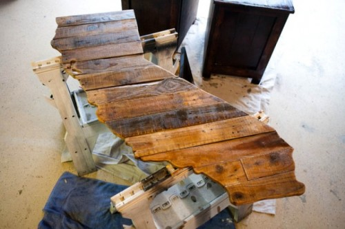 DIY Rustic State Map Wall Art From A Broken Pallet