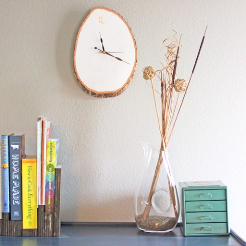 Inspirational wood slab wall clock via blog