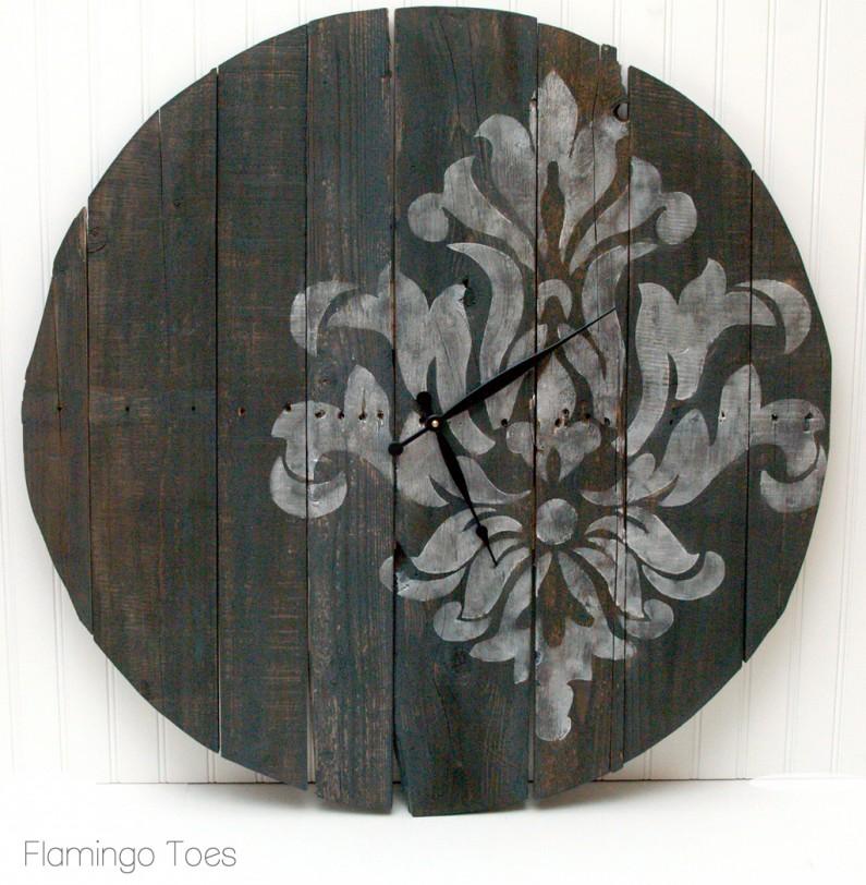 stenciled pallet clock
