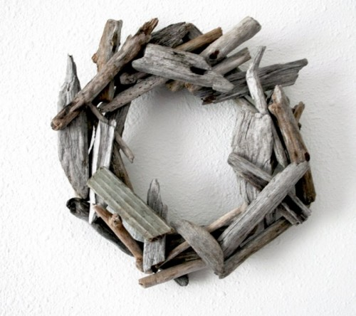 Diy Rustic Wreath Made Of Driftwood
