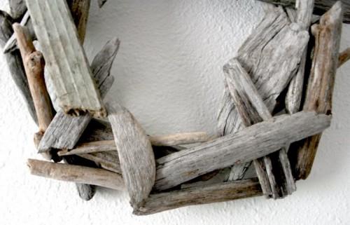 Diy Rustic Wreath Made Of Driftwood