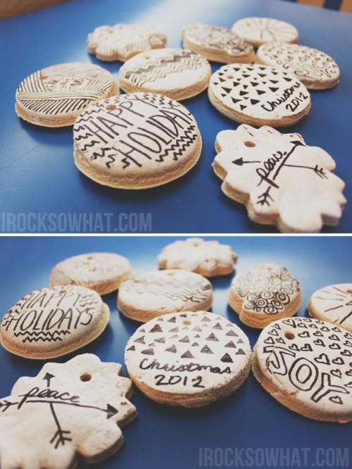 black and white salt dough ornaments (via irocksowhat)