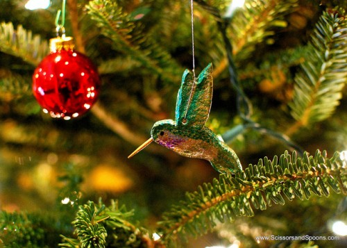 hummingbirds salt dough ornaments (via scissorsandspoons)