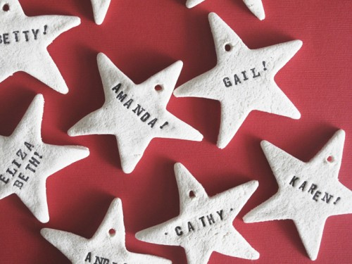 salt dough stars as ornaments or gift tags (via designeditor)