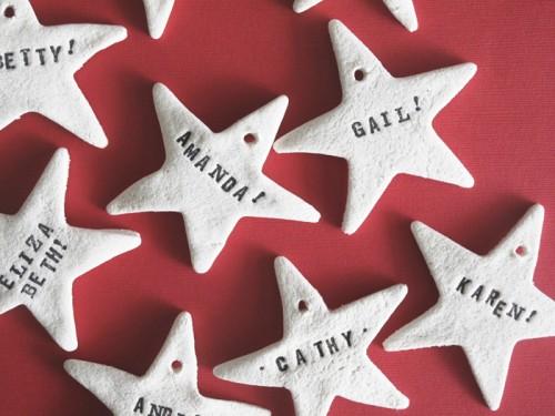 salt dough stars as ornaments or gift tags (via designeditor)