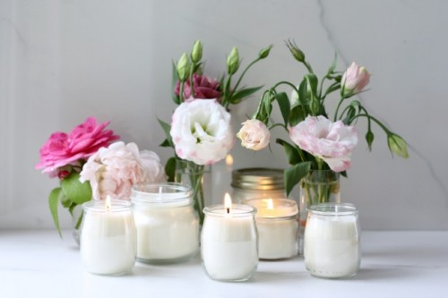 geranium and rose scented candles (via reallyprettyuseful)