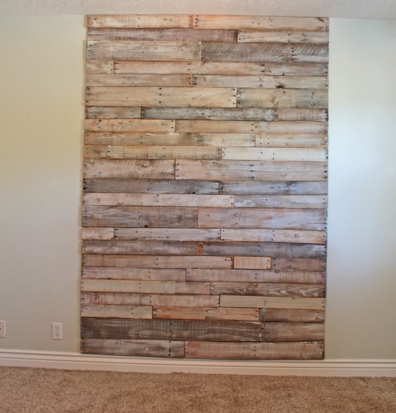 Picture Of Big Whitewash Headboard Of Pallets