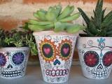 skull planter decor
