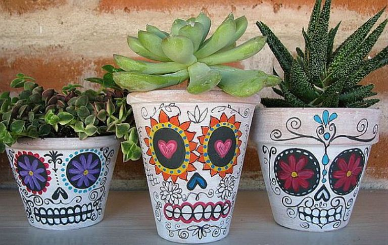 DIY Skull Planters Decoration