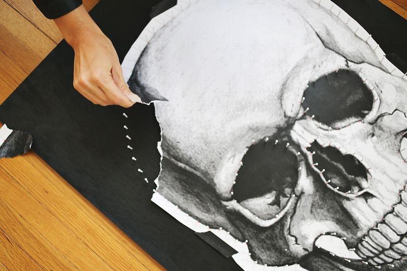 Black And White DIY Skull String Art » Photo 4