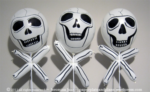 DIY Skulls And Crossbones Made Of Balloons