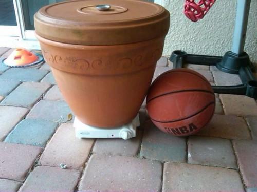 clay pot smoker (via instructables)