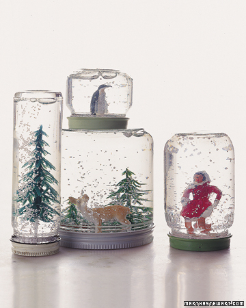 How to Make a Snow Globe (via marthastewart)