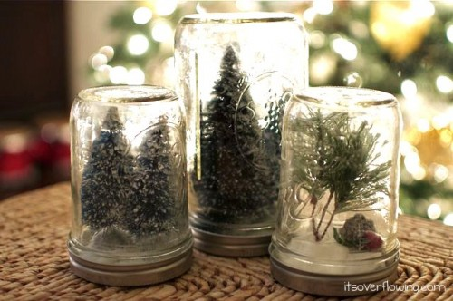 DIY Snow Globes {Anthropologie Knockoff} (via itsoverflowing)