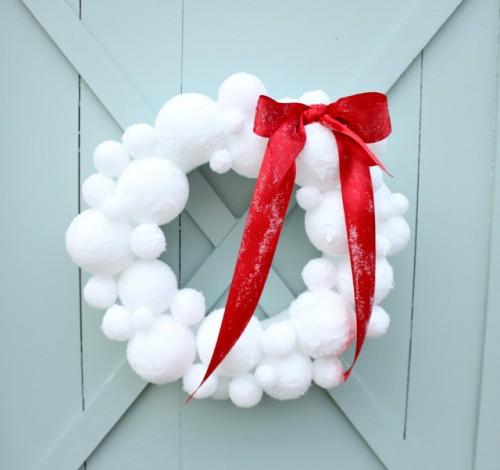 snowball wreath (via daisymaebelle)
