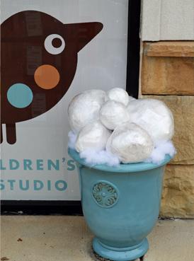 no melt snowballs (via smallhandsbigart)