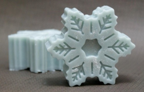 DIY Snowflake Solid Lotion Bars