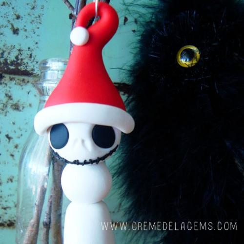 DIY skeleton snowman (via cremedelagems)