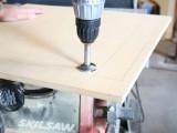 diy-space-saving-folding-side-table-2