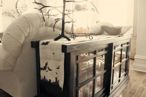 DIY Spooky Burlap Table Runner