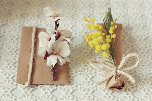 DIY Spring Gift Wrap In A Minute