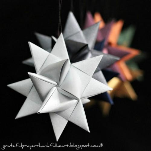 German paper stars (via gratefulprayerthankfulheart)