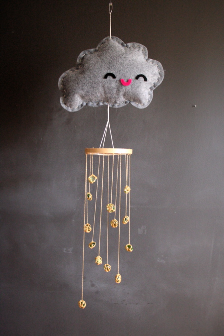 happy raincloud mobile (via missmake)