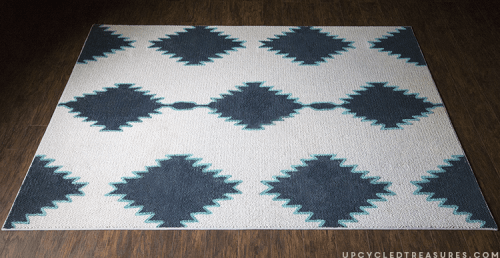 cool patterned rug (via upcycledtreasures)