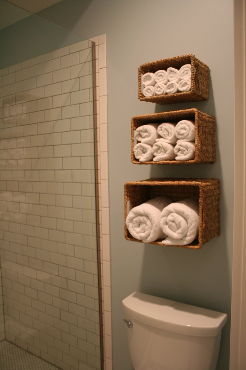 DIY Wall Storage Solution For Bath Linen » Photo
