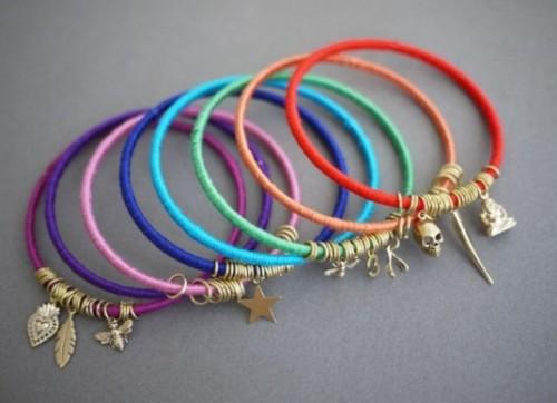 Diy Summer Bracelets Of Colorful Yarn